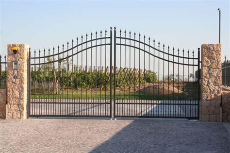 cancelli d ingresso casteldaccia rubato un altro cancello d ingresso di un