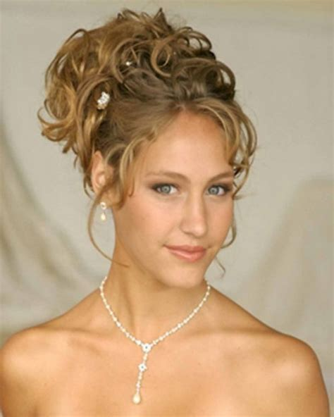 Hairstyles Updos For Curly Hair by Updo Hairstyles For Curly Hair New Haircuts To Try For