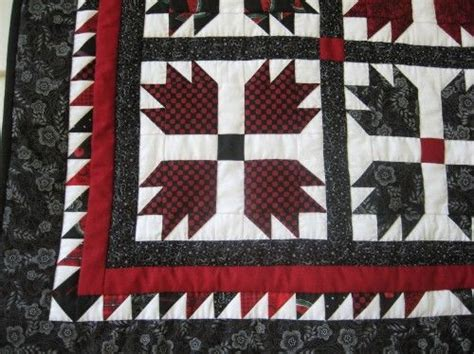 s paw handmade quilted wallhanging 33 quot square