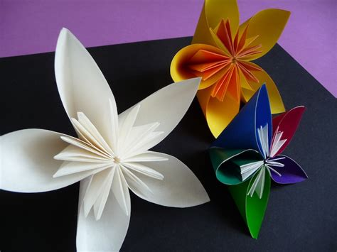 Cool Origami Flowers - paper crafts artclubblog