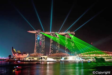 three great light shows in singapore evening sound and