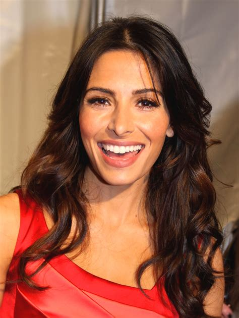 sarah young actor and dancer in new york city n stage 32 sarah shahi wikipedia