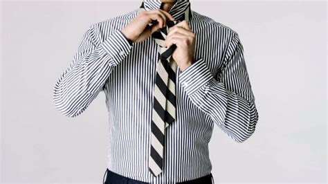 tutorial menggunakan dasi kantor 10 cara memasang dasi berbagai pilihan gaya gambar video