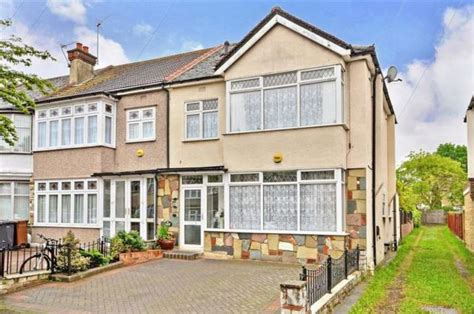 houses to buy in chingford ainslie wood gardens highams park 1 bedroom flat for sale e4