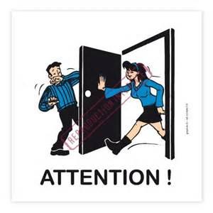 autocollant quot attention porte quot graphito pr 233 vention