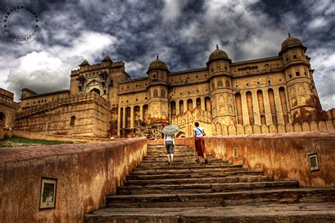 Amer Fort   Amber Fort (Hindi: ???? ?????, also known as