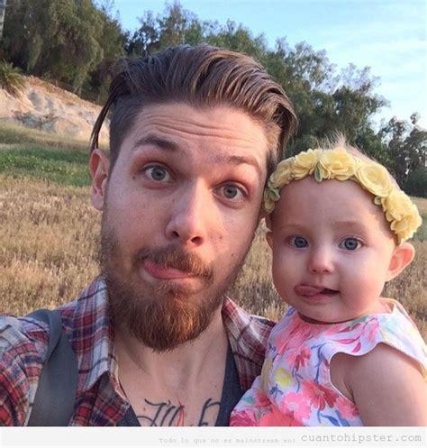 imagenes hipster bebe de padre hipster beb 233 con corona de flores cu 225 nto hipster