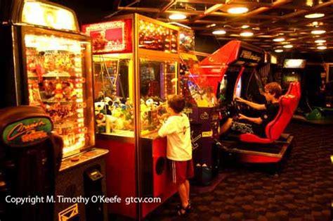 Main Dining Room Disney Cruises Photos Pictures Disney Wonder Arcade