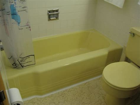 bathrooms to go 1000 images about harvest gold bath color combos on