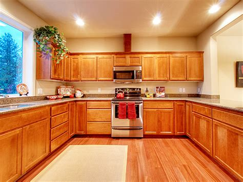 Kitchen Wall Colors With Honey Oak Cabinets Hardwood Flooring In The Kitchen Honey Oak Kitchen