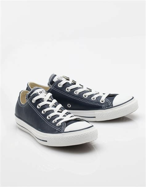Converse Low Klasik Navy lyst converse navy leather low top in blue