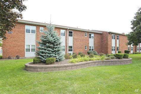 3 bedroom apartments rochester ny chatham gardens rochester ny apartment finder