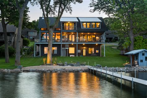 Contemporary Lake House In Minnesota Encourages Fun Family Lake House Plans