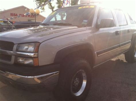 how does cars work 2004 chevrolet avalanche 1500 purchase used 2004 chevy avalanche 1500 4x4 crew cab lifted nicely and in excellent shape in