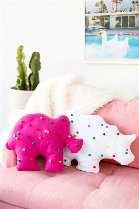 Diy Pillows by Diy Circus Animal Cookie Pillows Studio Diy