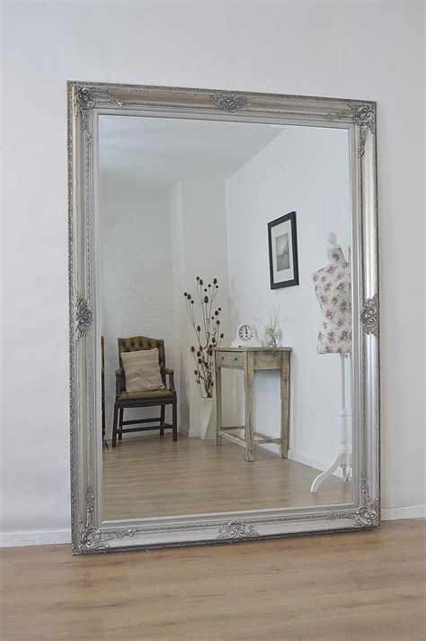 Standing Big large wall mirrors tips to place the mirror in the right