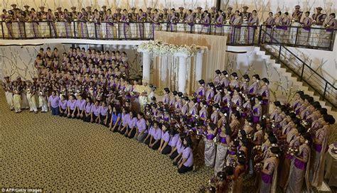 Spectacular Sri Lankan wedding is the world's biggest ever