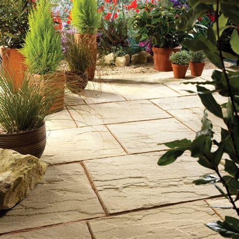 pavimentare il giardino come realizzare la pavimentazione per giardino pavimento