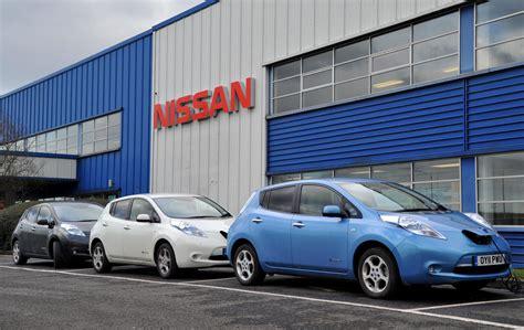 nissan leaf sunderland nissan sunderland plant starts production of leaf ev
