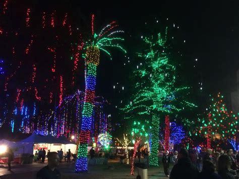 Glendale Holiday Lights Decoratingspecial Com Glendale Az Lights