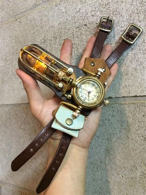 Rok Bowbow handmano bowbowのランプユニットを組み込んだ腕時計が登場 bowbowとのコンビネーション装備も熱い