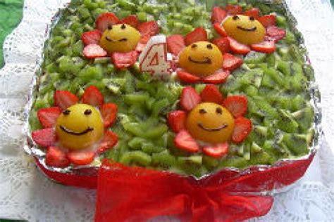 decorare ragazza decorare la torta un gioco da ragazze mammeonline