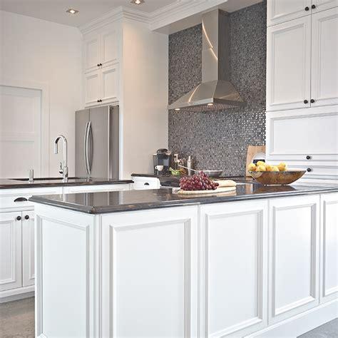 cuisine armoires blanches cuisines beauregard cuisine r 233 alisation 269 armoires