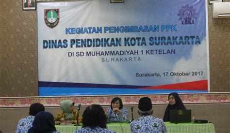 Prinsip Umum Dan Dasar Farmakologi Muh Anief sebanyak 10 kepala sekolah dan 10 guru sd banjarsari ikuti