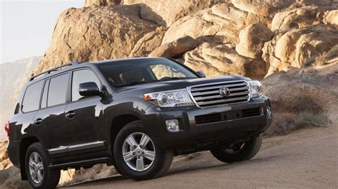 2013 toyota land cruiser mpg 2013 toyota land cruiser review notes autoweek