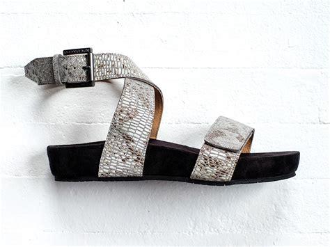 comfort strap revitalign swell women s comfort strap sandal free shipping