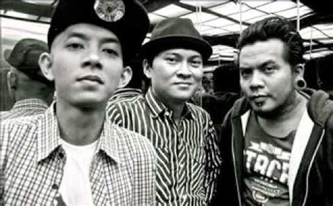 Download Mp3 Endank Soekamti Sopo Jarwo | download lagu endank soekamti kolaborasoe sopo jarwo