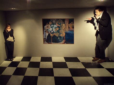 the ames room room illusions