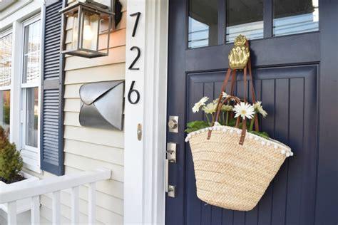 friday favorites starts   front door nesting