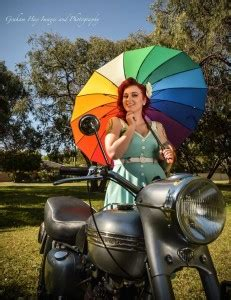 vintage car and pinup model photo shoot in busselton