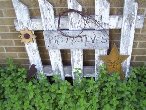Primitive Outdoor Decor by 25 Best Ideas About Primitive Outdoor Decorating On