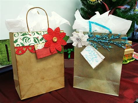 decorate your own christmas gift bags christmas crafts
