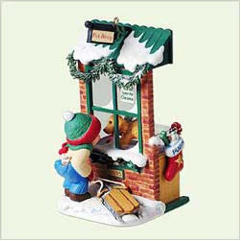 hallmark club series ornament 2005 christmas window 3