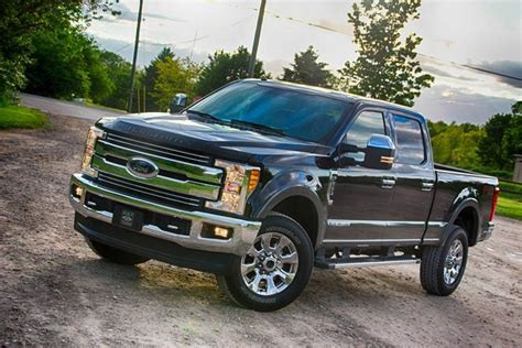 2017 f250 clearance lights 2017 ford f250 duty loses some weight but hauls more