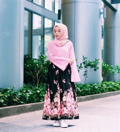 Tunik Batik Intan intip gaya selebgram dalam memadukan bawahan bermotif terang co id
