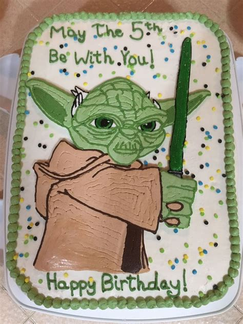 25 Best Ideas About Yoda Cake On Pinterest Star Wars Birthday Cake Star Wars Cake And Star Yoda Cake Template