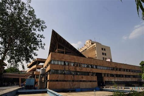 Iit Delhi Mba Fee Structure 2013 by Iits May Change Fee Payment Policy Livemint