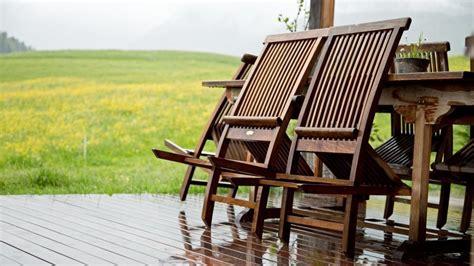 gartenmöbel aus teakholz teakholz reinigen und pflegen egarden