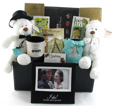 Wedding Anniversary Gift Basket Ideas by Wedding Gift Baskets