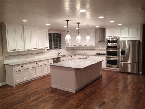 22 Kitchen Flooring Options and Ideas for 2019 (Pros & Cons)