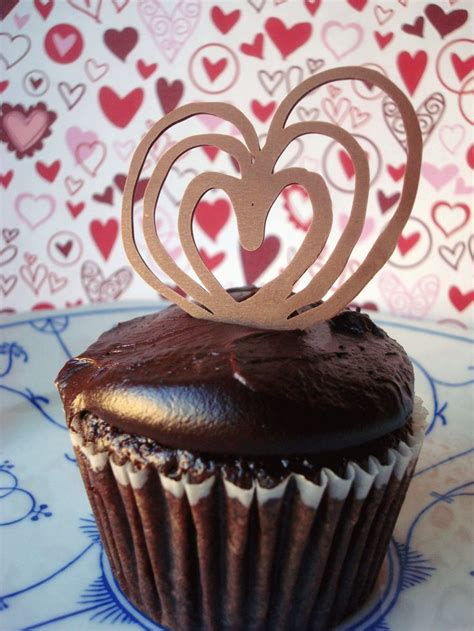 elegant piped chocolate garnishes heart chocolate cakes  simple chocolate cake