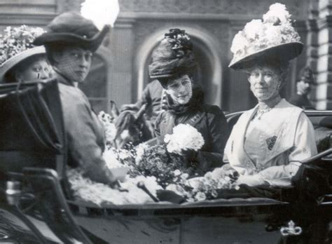 film of queen victoria s funeral maids of honour in the edwardian court edwardian promenade