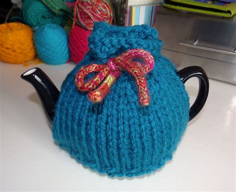 tea cozy knitting pattern three free tea cosy patterns reviewed or why tea pots