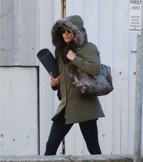 meghan markle toronto meghan markle leaves yoga class in toronto 03 11 2017