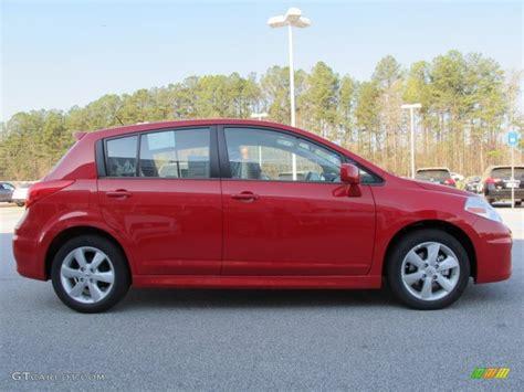 red nissan versa red alert 2012 nissan versa 1 8 sl hatchback exterior