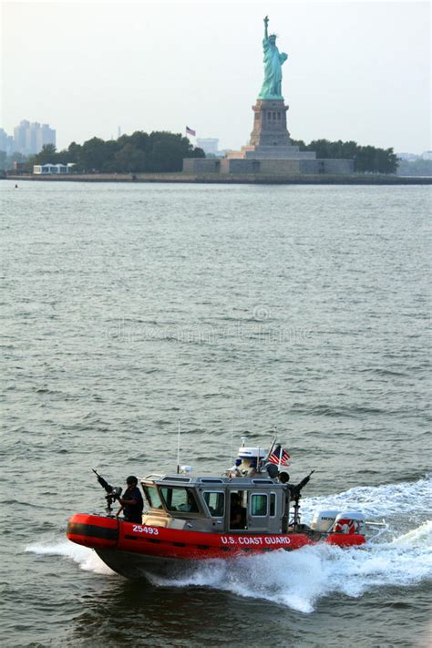 free boat to statue of liberty statue of liberty and boat editorial photo image of boat